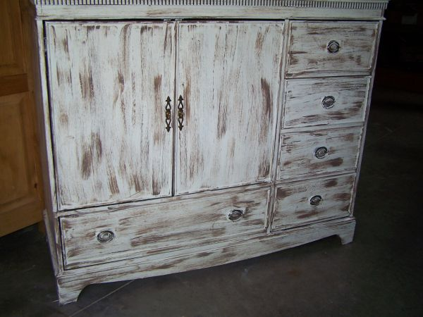 SHABBY CHIC TV CABINET WITH 5 DRAWERS