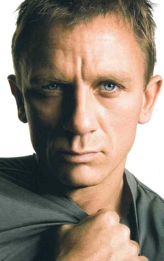 Grow up and old and still look like this; that's a challenge.                                                           Daniel Craig #DanielCraig