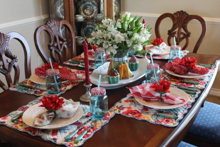 Tablescape Thursday The Family Dinner Table & Tablescape Thursday: The Family Dinner Table | Table settings ...