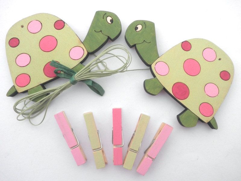 Children\'s Artwork display hanger- Turtles pink and green -kids wall ...