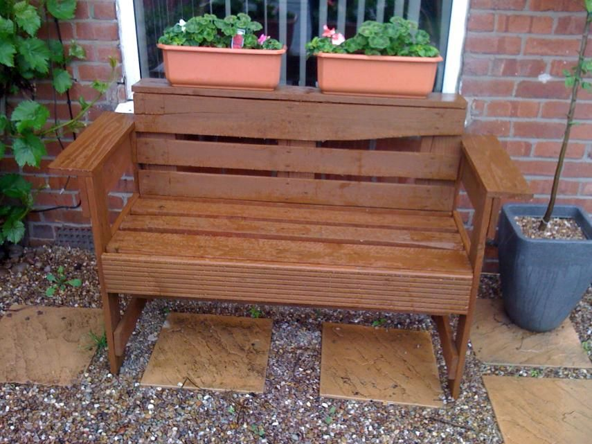Phenomenal Garden Benches Made Out Of Pallets What Can You Make From Creativecarmelina Interior Chair Design Creativecarmelinacom