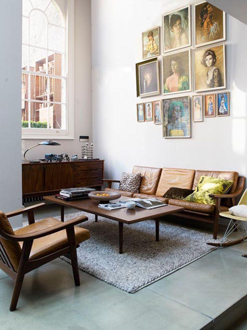Neutrale interieur kleuren palet donkere vintage meubels for Tv meubel kleine ruimte