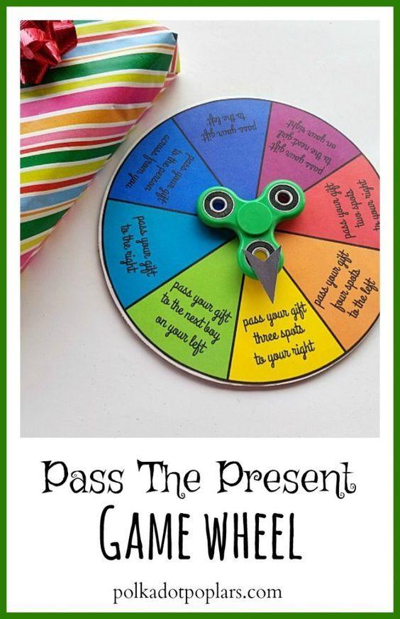Photo of Weihnachten Pass the Present Game