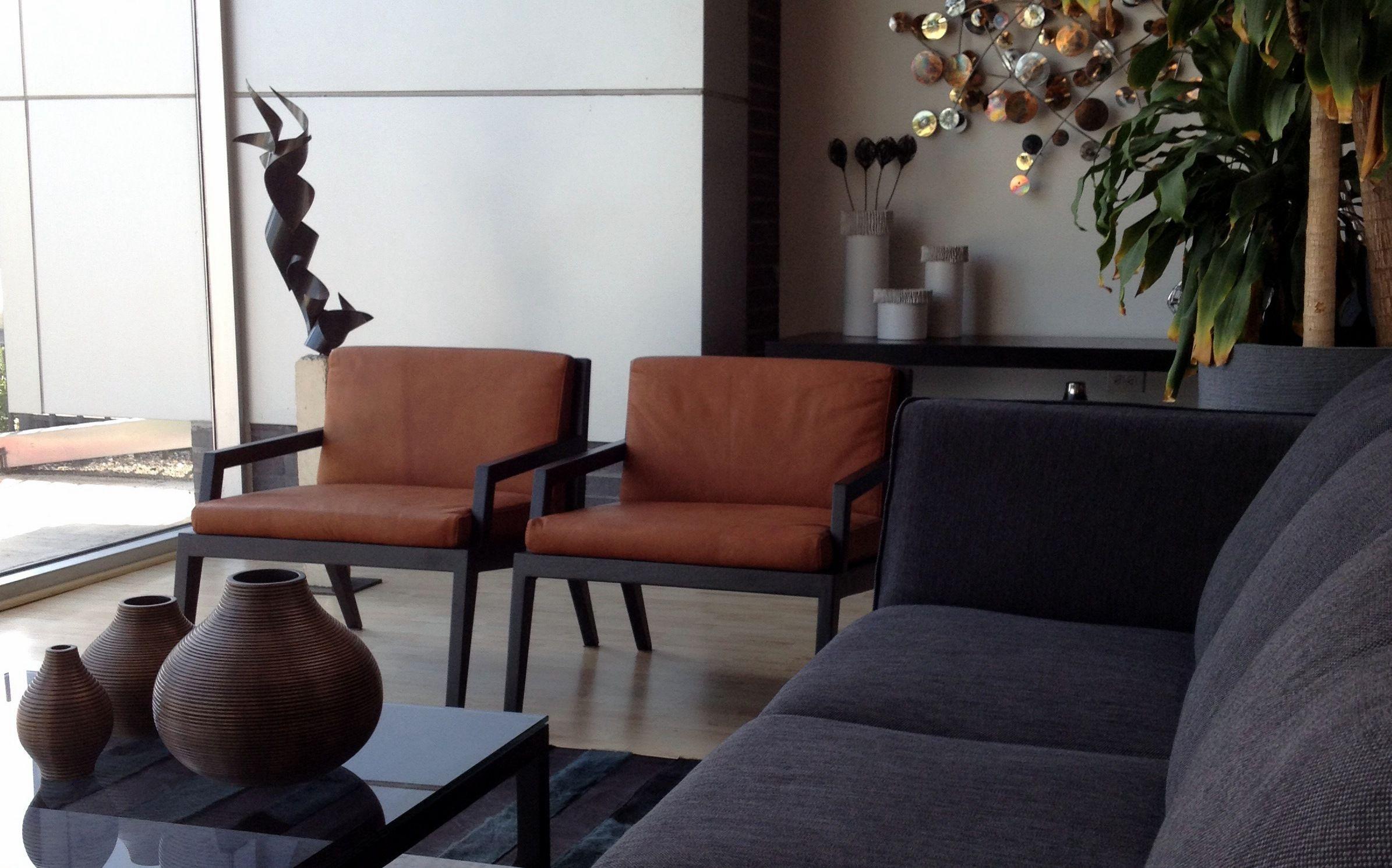 Contemporary Living Room Human Sofa Terra Living Chair
