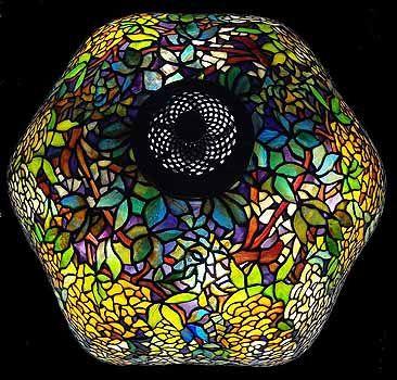 """22 """"Laburnum Tiffany lámpara. Diseño de estudios de Tiffany NY # 1539"""
