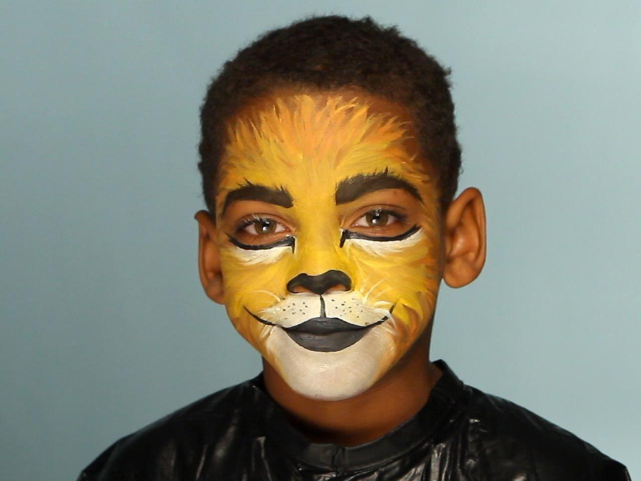 Kid's Halloween Makeup Tutorial: Lion | Lions, Costume makeup and ...