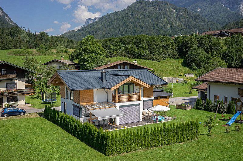 Holzhaus modern holzbau herbst hausideen in 2018 for Holzhaus modern einrichten
