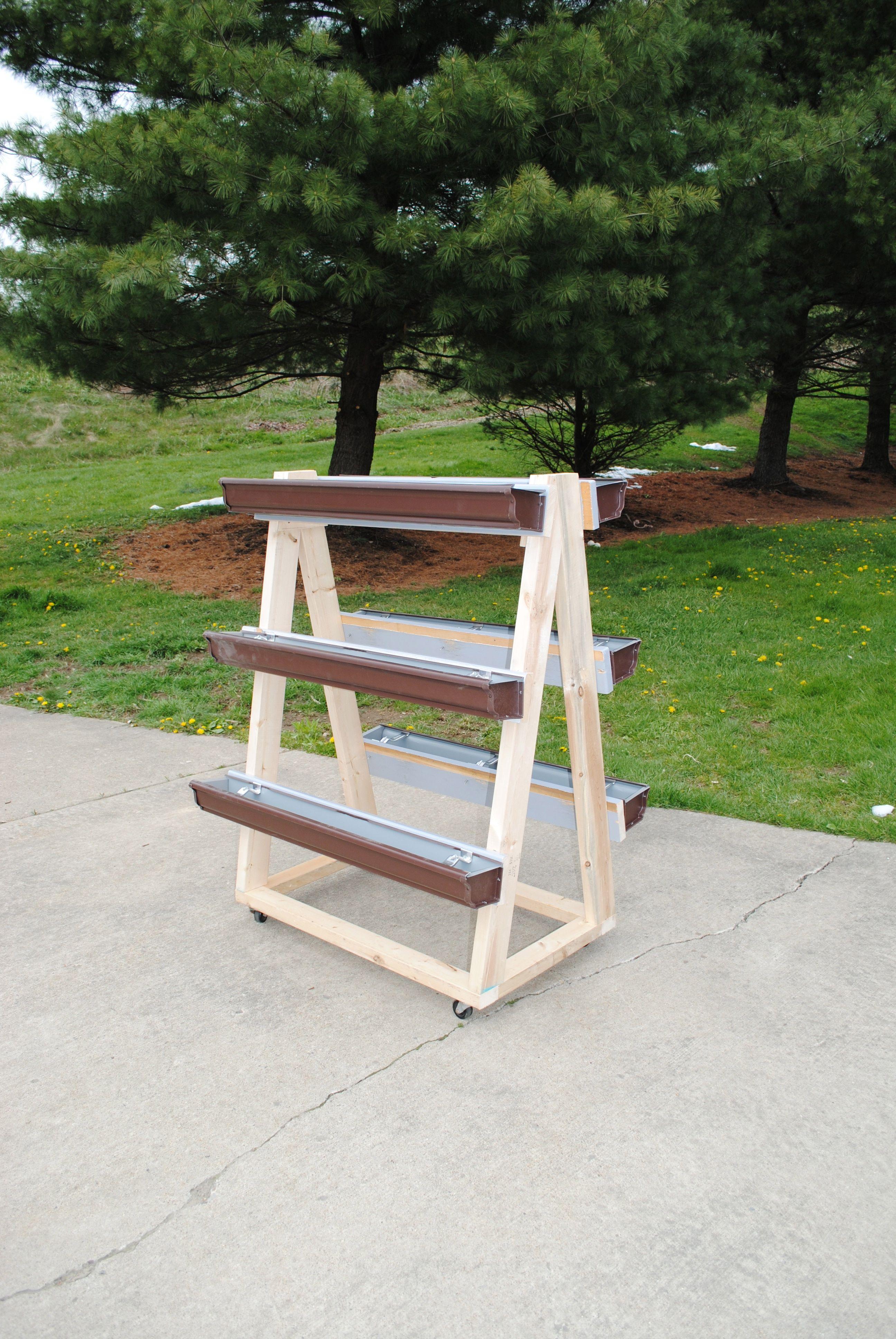 Potager Mobile En Bois construisez vous-même un support mobile pour un gutter