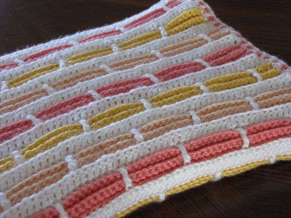 Hey, ho trovato questa fantastica inserzione di Etsy su https://www.etsy.com/it/listing/188129234/handmade-crochet-baby-blanket-for-girl