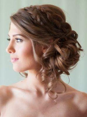 Peinados para boda cabello chino corto