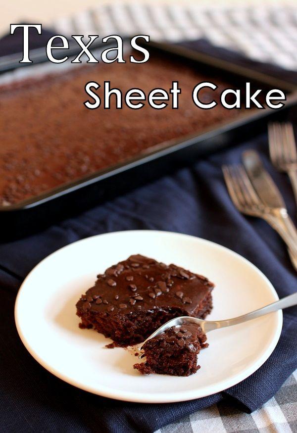 Suklaapandan keittiössä: Texas sheet cake / Mehevä suklaapiirakka