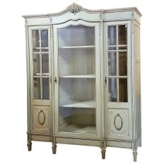 Superieur Since Antique Bookcases Are Far More Rare And Antique Vitrines And Curio  Cabinets Are Considerably Smaller, We Choose Selected Antique Armoires To  Convert ...