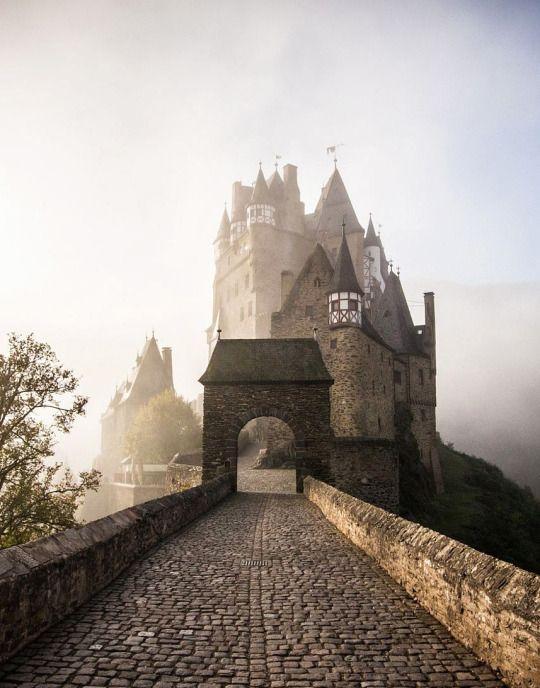 Burg Eltz Wierschem Rheinland Pfalz Castles Rheinland Pfalz Pfalz Burg