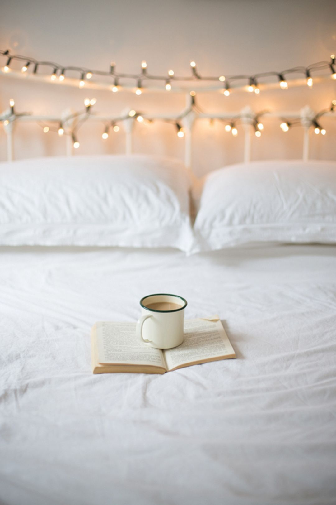 awesome romantic bedroom with fairy light ideas house