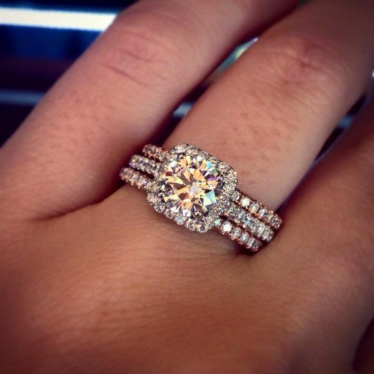 The most gorgeous mixed metal engagement ring and wedding ring