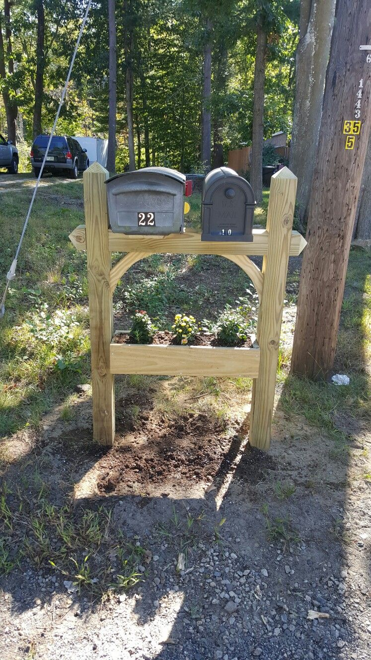 Double Mailbox Post With Planter Box Mailbox Landscaping Double Mailbox Post Diy Mailbox