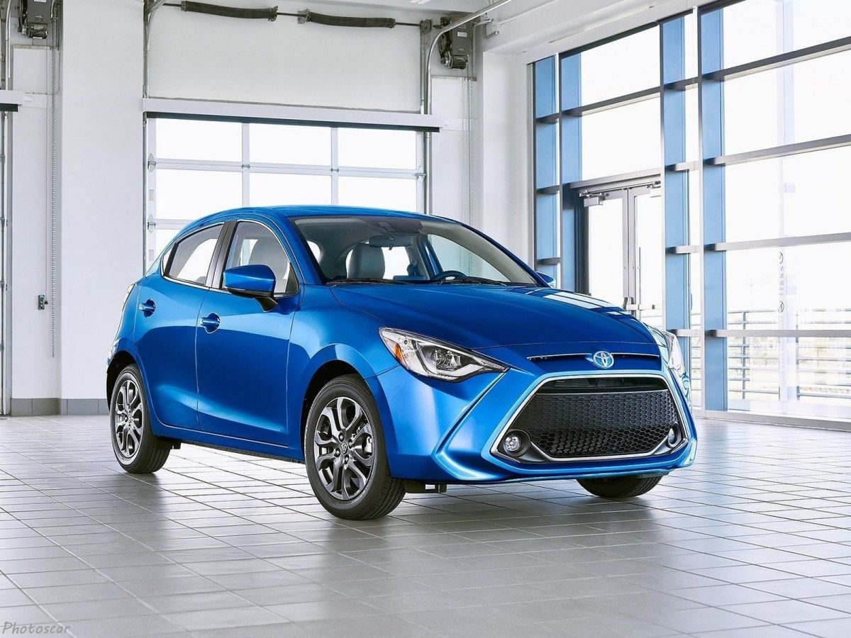 Toyota Yaris Hatchback Us 2020 Une Version Rebadgee De La Mazda2 Boite Automatique Toyota Phare Antibrouillard