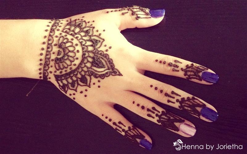 Henna By Jorietha Henna designs on hands, feet, wrist, arm, neck, back etc www.facebook.com/hennabyjorietha Twitter: @hennabyjorietha Website: Jorietha.com E-mail: henna@jorietha.com