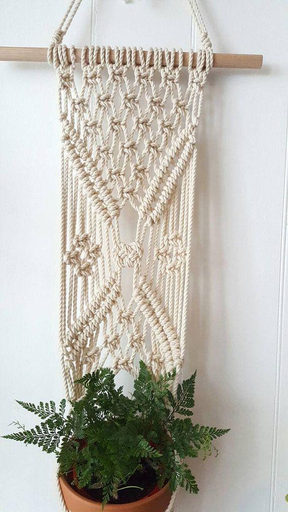 edab5fc89539 Macrame Plant Hanger / Macrame Wall Hanging | Murales macrame ...