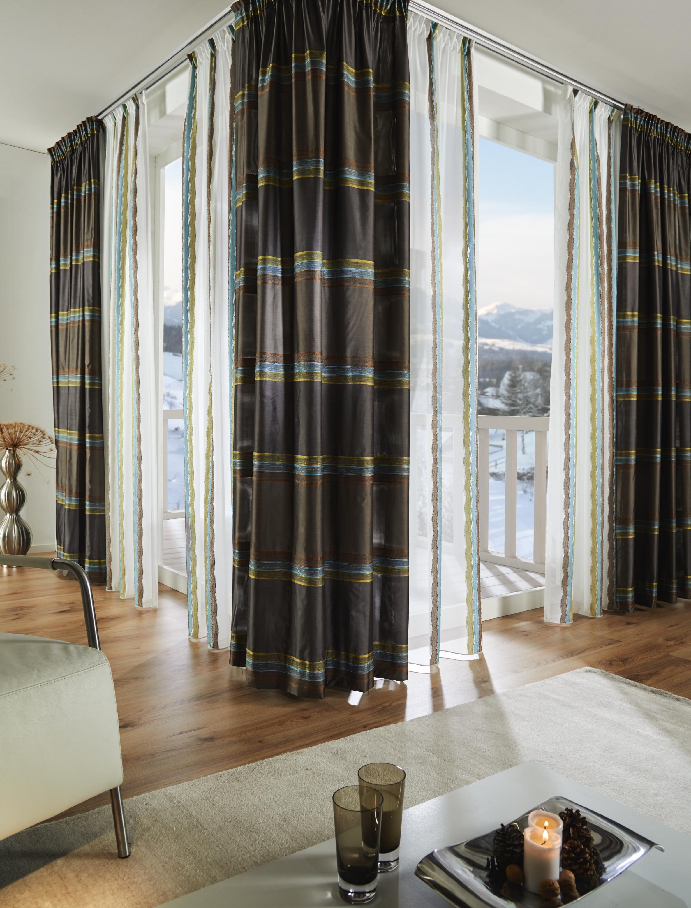 Stilvoller Vorhang von ESPOSA mit dekorativen Streifen