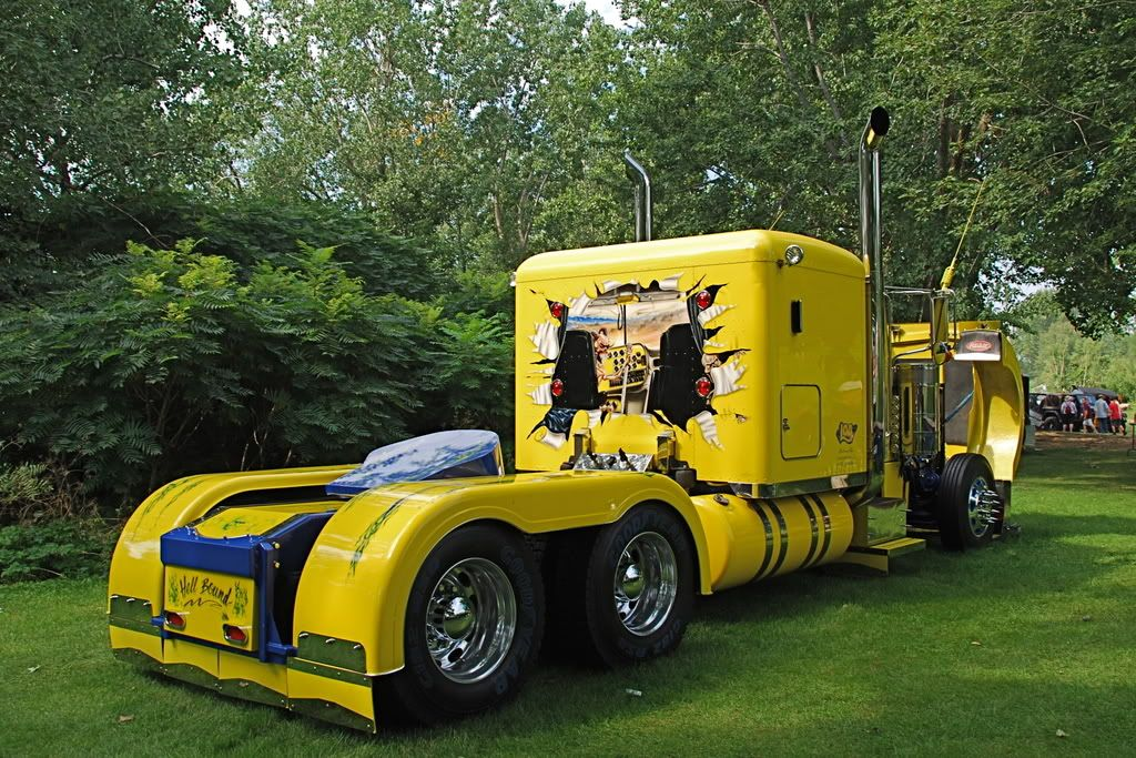 Cool Semi Truck Paint Jobs Found These On Another Site And Fell