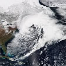 #Bombogenesis mid-latitude cyclone that drops in surface barometric pressure by 24 or more millibars in a 24-hour period. The height contours pack around the center of rotation and the number of height contours increases rapidly in the developing stages @PerihelionSF