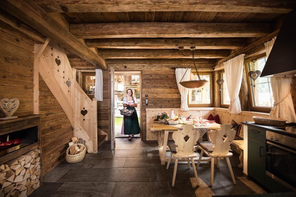 chalets in tirol gletscher chalet in neustift holzhausstube pinterest schlupfwinkel. Black Bedroom Furniture Sets. Home Design Ideas