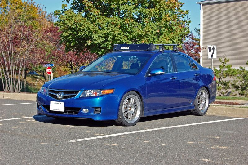 Acura TL with a Thule 480R setup with a fairing Bike