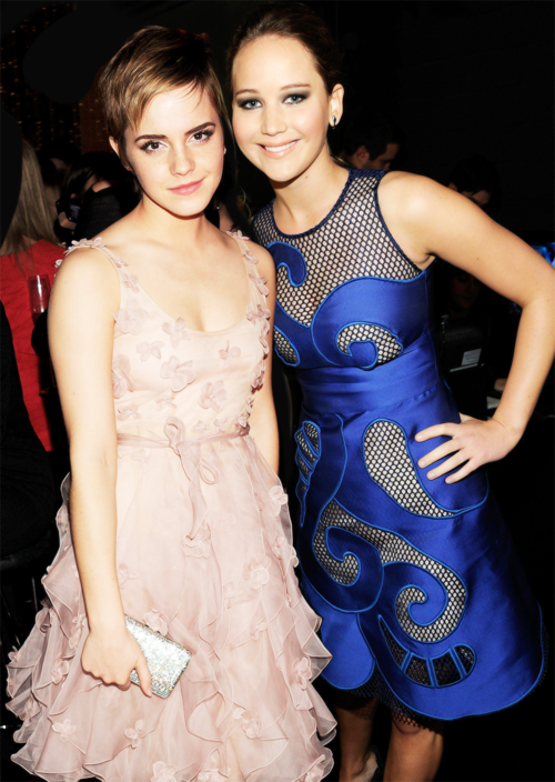 Jennifer Lawrence And Emma Watson Jennifer Lawrence Emma Watson Celebrity Dresses