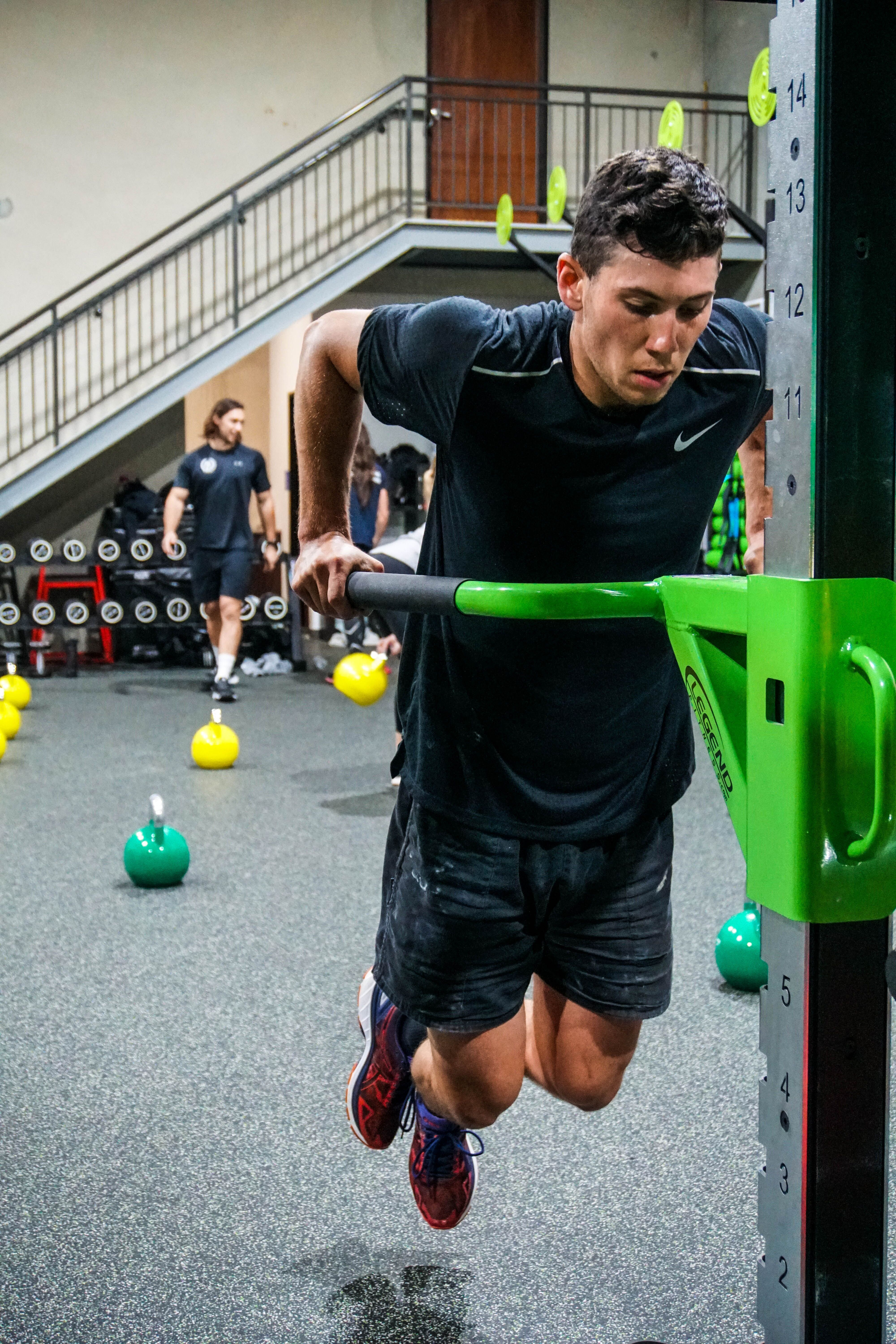 No Days Off Quick Pump Up Before The Weekend Ball Exercises Exercise Fitness