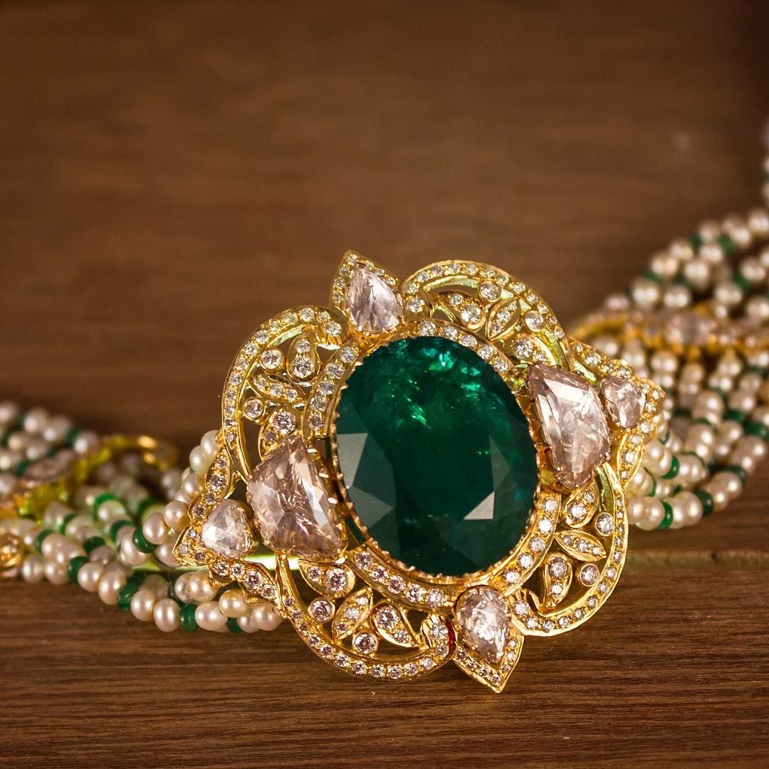 Emerald rosecut diamond choker this art deco styled choker makes