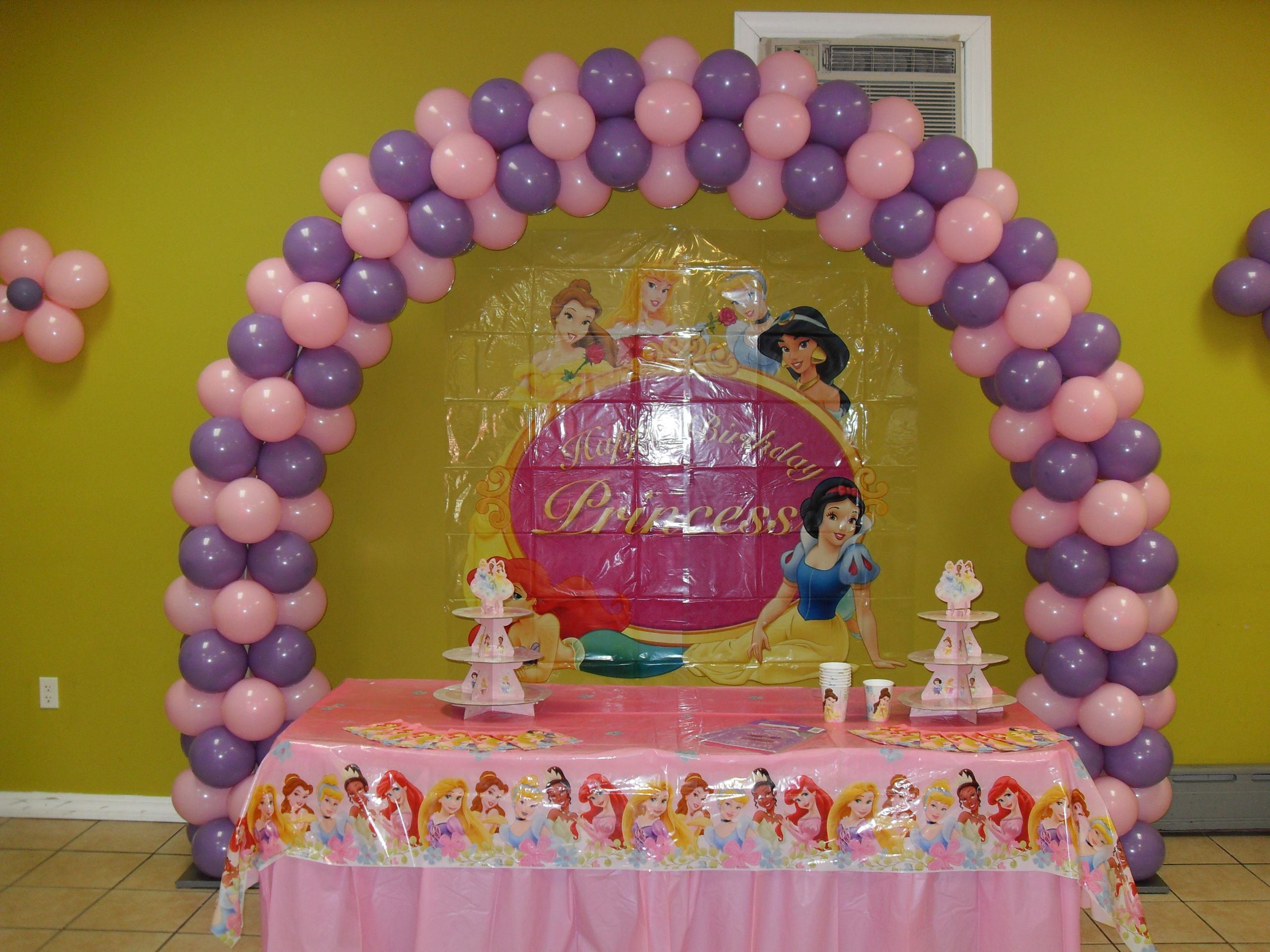 Princess theme balloon arch using spring lilac and pink balloon ...