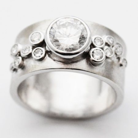 The Perfect Beginning To Your Modern Fairytale! Susan West Designs The Most  AMAZING Engagement Rings.