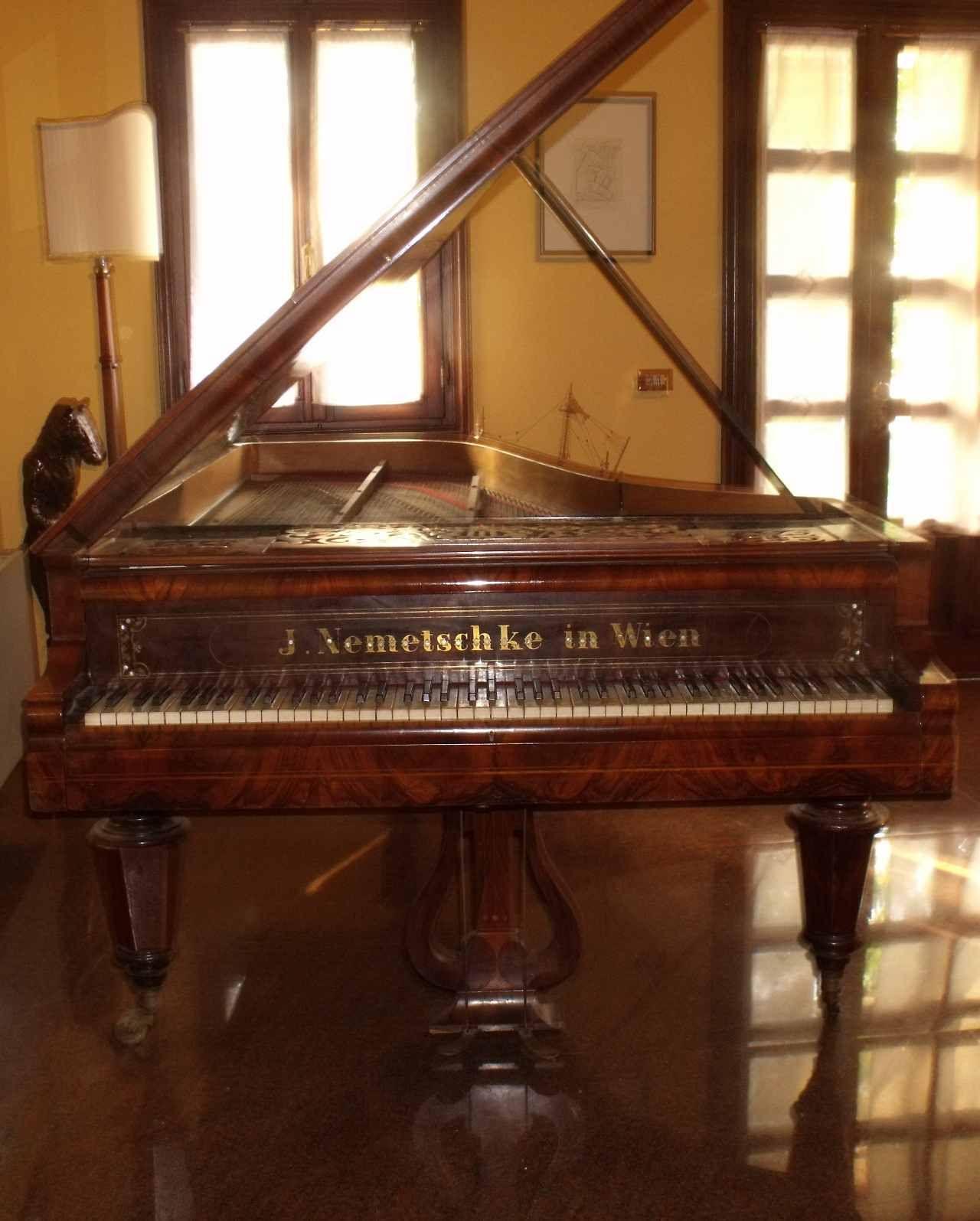 Hertzapoppin – Pianoforte Viennese J. Nemetschke Accordatore ...