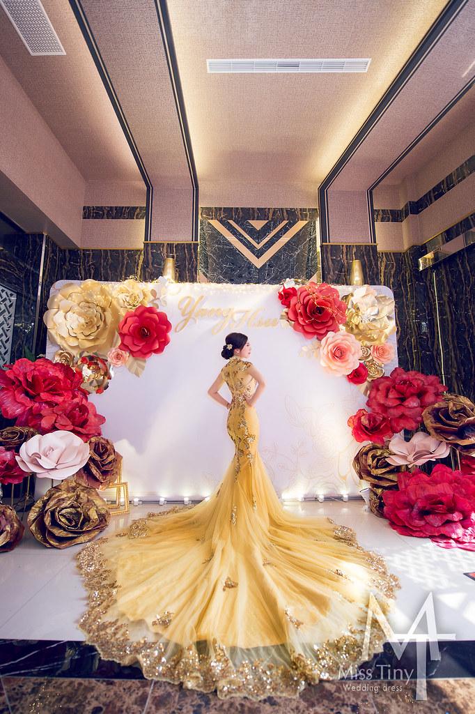 旗袍婚紗 中式婚禮必備 Miss Tiny 婚紗 中式旗袍 各色旗袍 教堂白紗 Chinese Wedding Decor Toasting Flutes Wedding Chinese Wedding Dress