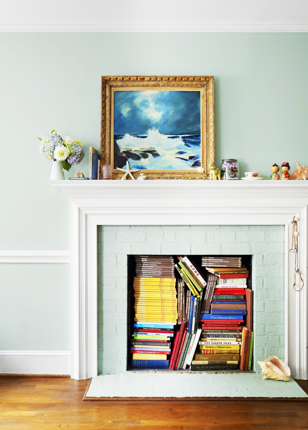 How To Accessorize A Modern Fireplace