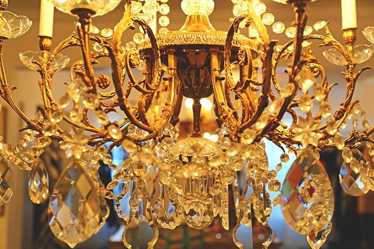 Baanou boutique interior chandelier houston boutique