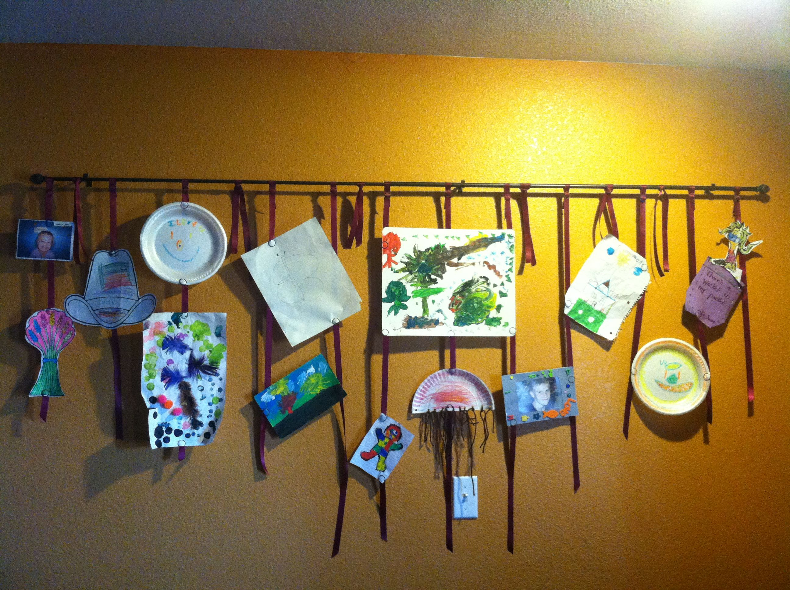 Childrens Artwork Display Fun Way To Display Childrens Art Work Projects Pinterest