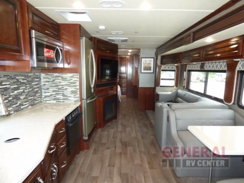 New 2018 Fleetwood Rv Bounder 35k Motor Home Class A At General Rv