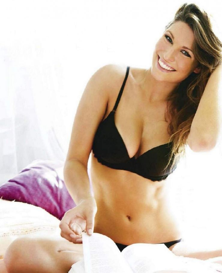 Laury Thilleman   Bedroom Eyes   Pinterest   Thilleman, Laury and Sous vetement