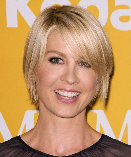 Jenna Elfman Hairstyle Short Straight Casual TheHairStyler