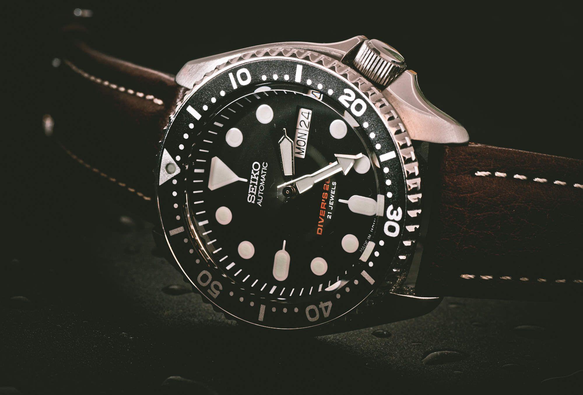 SUPERCOMPRESSOR: Seiko 7S26 vs. Rolex Submariner  http
