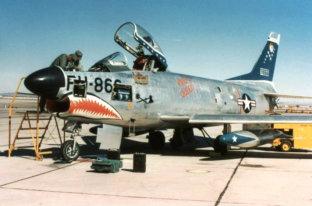 "F-86D Sabre Dog 498th FIS, also known as ""The Gieger Tigers"" 1955 . 