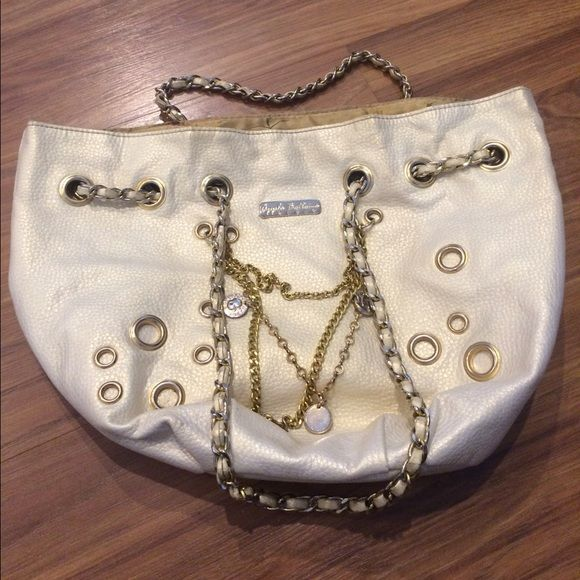 Apple Bottom Purse Good condition. Inside need to be cleaned. Apple Bottoms Bags