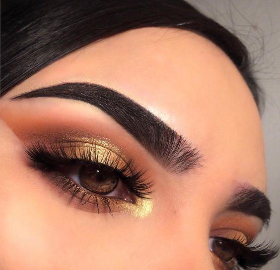 Stunning warm mood makeup