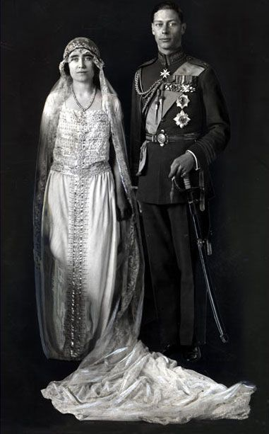 King George Vi And Queen Elizabeth Later The Queen Mother On Their Wedding Day In 1923 Royal Wedding Dress Royal Wedding Gowns Royal Weddings