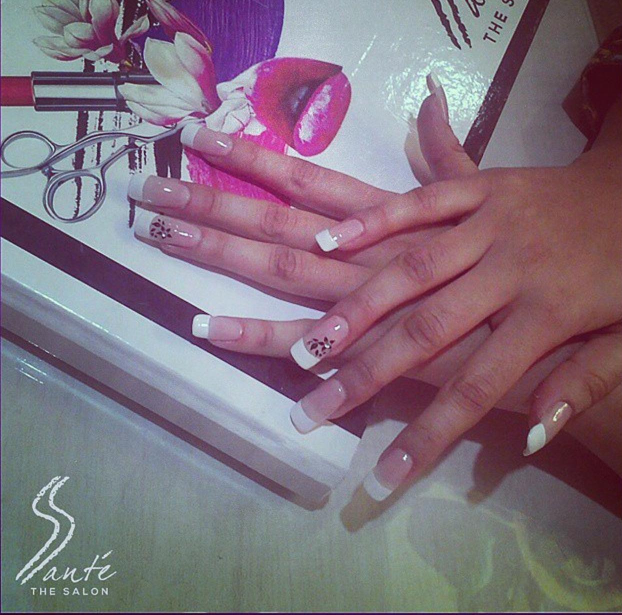 santethesalon#Acrylics at our #Nail #Bar. Call to book an ...