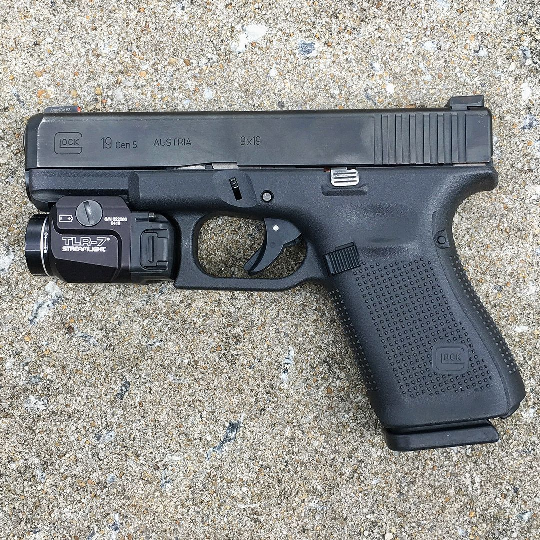 I Am Really Digging This Streamlight Tlr 7 Pistol Light Fantastic Size And Weight For Daily Carry With 500 Lumens Off Of One C Airsoft Guns Pistol Streamlight