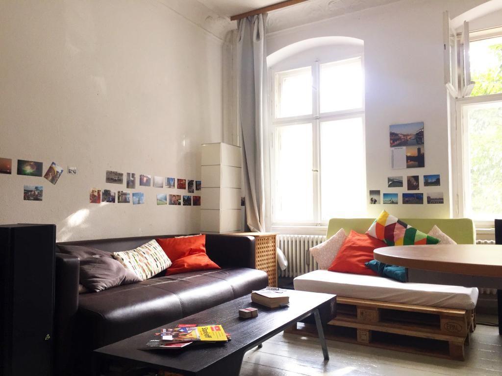 DIY-Sofa fürs Wohnzimmer. #DIY #Sofa #Paletten #Palettensofa ...