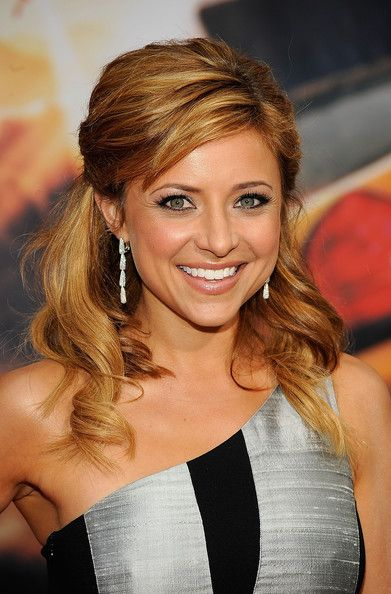 """Christine Lakin -- (1/25/1979-??). Theater, Movie, Television & Voice Actress. She portrayed Alicia """"AL"""" Lambert on TV Show """"Step by Step"""". Movie -- """"You Again"""" as Taylor, """"Race to Witch Mountain"""" as Sunday, """"The Game Plan"""" as Nichole, """"Georgia Rule"""" as Grace Cunningham and """"Suits on the Loose"""" as Danielle."""